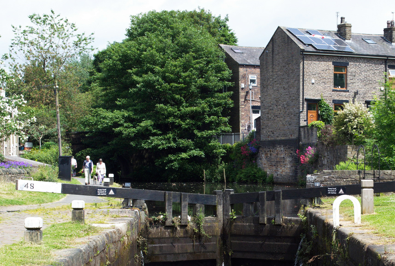 Canal Lock 48 Ealees Littleborough