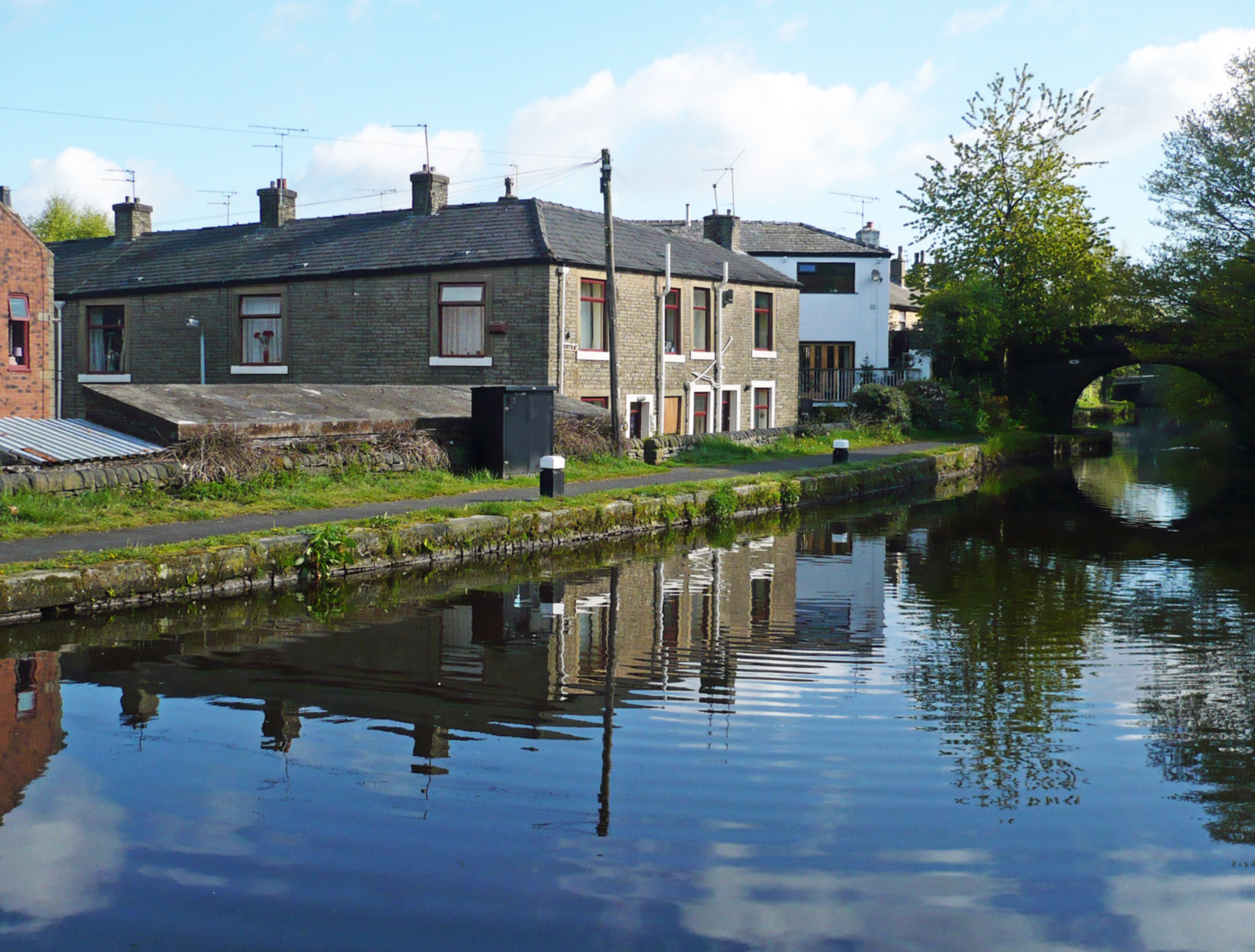 Canal Ealees Littleborough